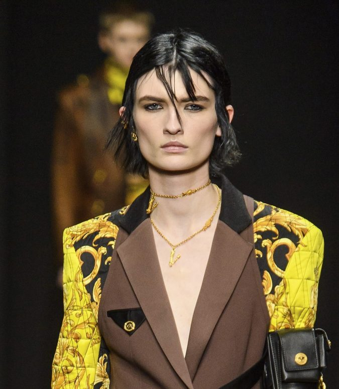 fall-winter-accessories-2020-chocker-versace-675x773 65+ Hottest Fall and Winter Accessories Fashion Trends in 2020