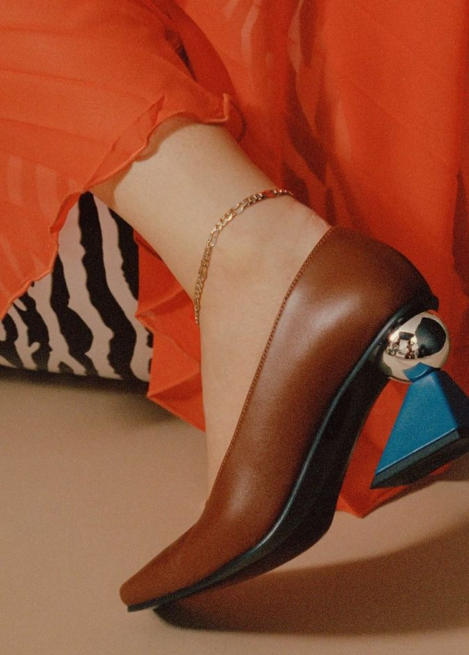 fall-winter-accessories-2020-pumps-anklet-675x942 65+ Hottest Fall and Winter Accessories Fashion Trends in 2020