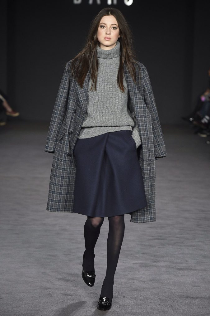 fall-winter-fashion-2017-turtleneck-skirt-checked-coat-675x1013 45+ Elegant Work Outfit Ideas for Fall and Winter 2020