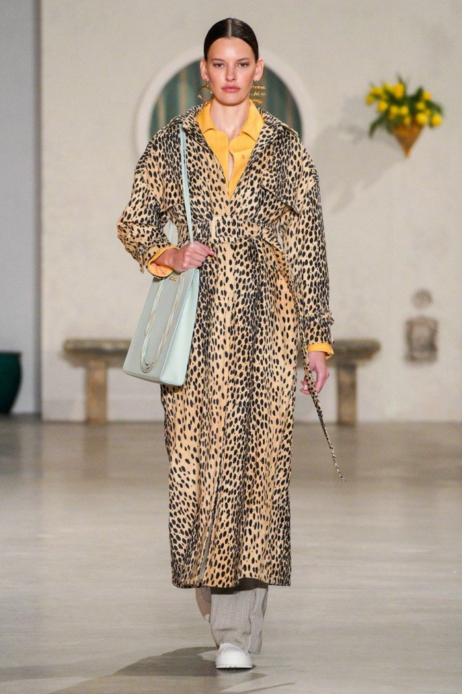 fall-winter-fashion-2020-animal-printed-coat-Jacquemus-675x1013 Top 10 Winter Predictions and Trends for 2020