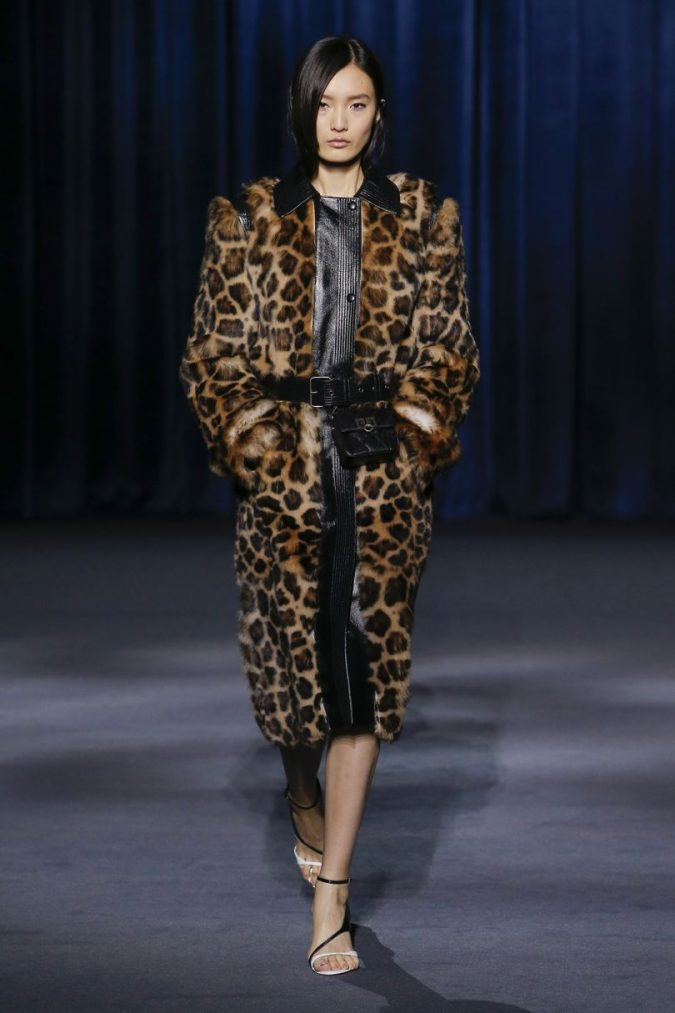 fall-winter-fashion-2020-animal-printed-coat-mini-bag-Givenchy-675x1013 Top 10 Winter Predictions and Trends for 2019/2020