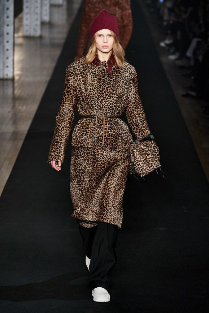 fall-winter-fashion-2020-animal-printed-coat-zadig-voltaire-1-675x1012 10 Elegant Women's Hat Trends For Winter 2020