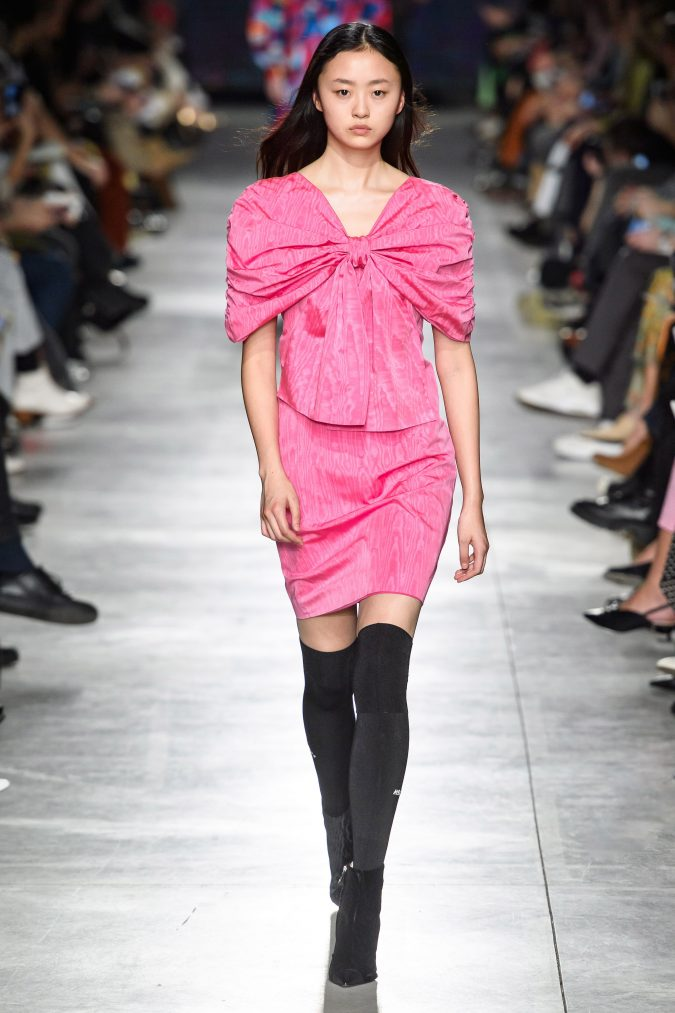 fall-winter-fashion-2020-bow-shoulders-MSGM-675x1013 45+ Elegant Work Outfit Ideas for Fall and Winter 2020