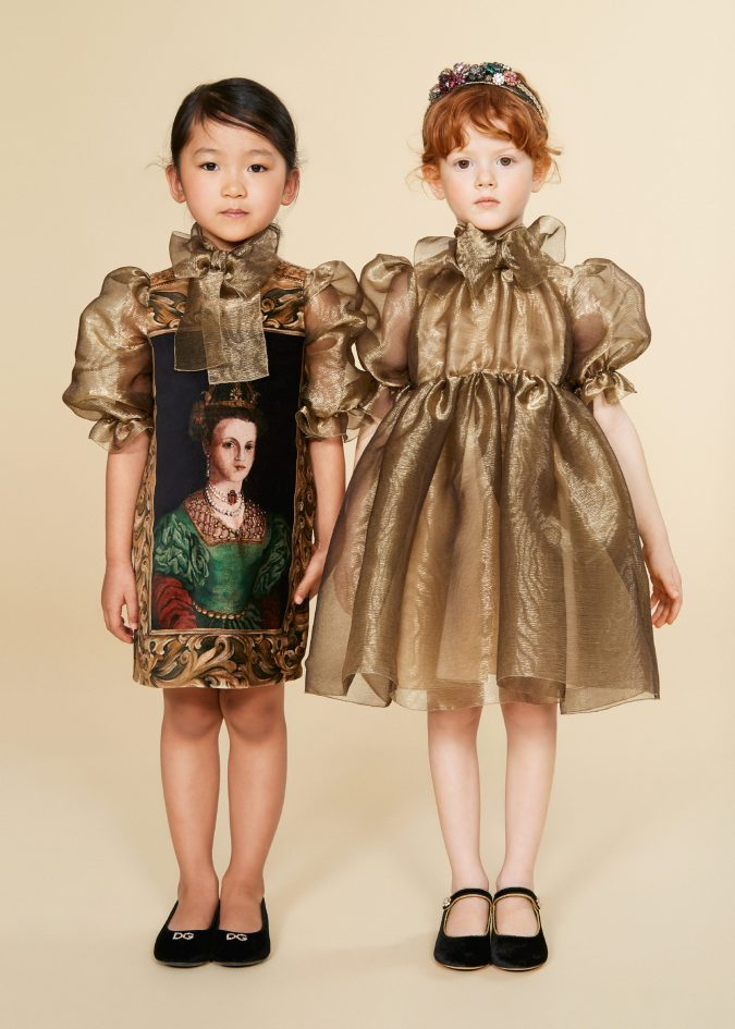 fall-winter-fashion-2020-child-collection-dresses-puffed-sleeves-dolce-and-gabbana-675x945 15 Cutest Kids Fashion Trends for Winter 2020