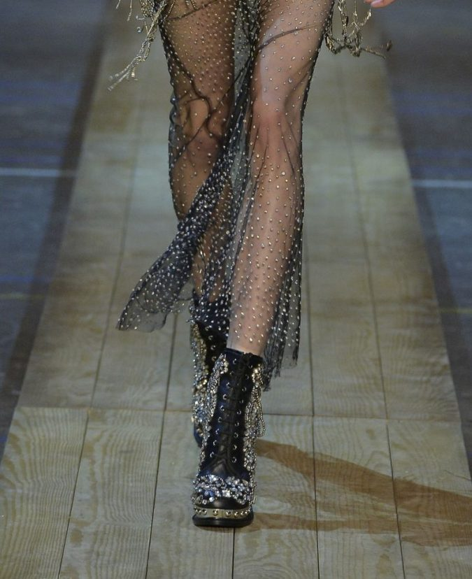 fall-winter-fashion-2020-floral-dress-Alexander-McQueen-2-1-675x828 Top 10 Winter Predictions and Trends for 2020