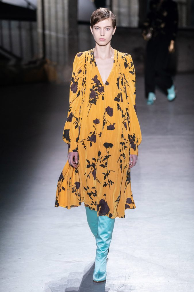fall-winter-fashion-2020-floral-dress-Dries-Van-Noten-5-675x1013 120+ Lovely Floral Outfit Ideas and Trends for All Seasons 2020