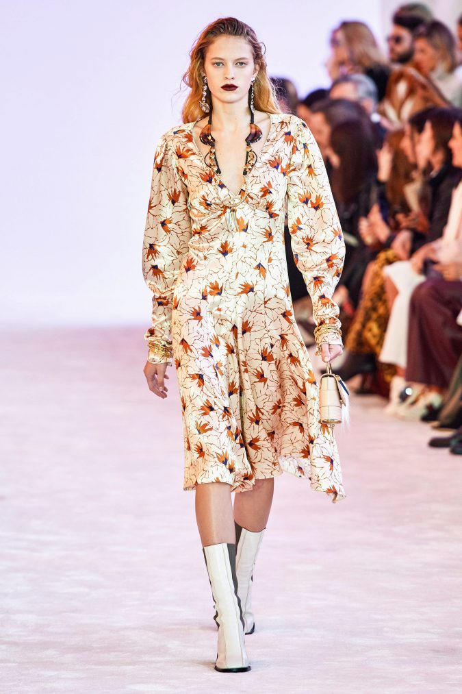 fall-winter-fashion-2020-floral-dress-chloe-3-675x1013 120+ Lovely Floral Outfit Ideas and Trends for All Seasons 2020