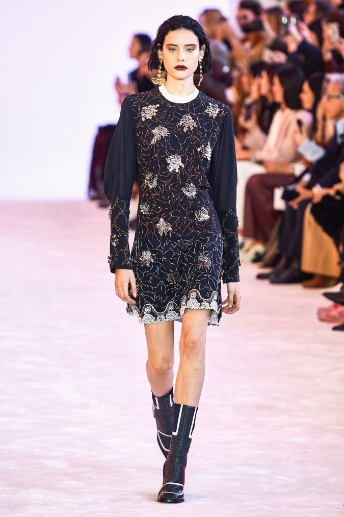 fall-winter-fashion-2020-floral-dress-chloe-4-675x1013 120+ Lovely Floral Outfit Ideas and Trends for All Seasons 2020
