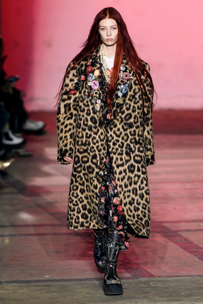 fall-winter-fashion-2020-floral-inner-animal-printed-coat-R13-675x1013 Top 10 Winter Predictions and Trends for 2020