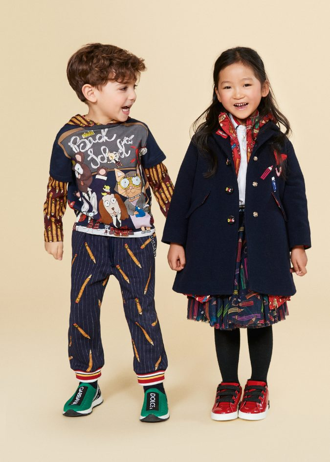 fall-winter-fashion-2020-graphic-and-cartoon-prints-dolce-and-gabbana-675x945 15 Cutest Kids Fashion Trends for Winter 2020