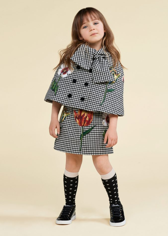fall-winter-fashion-2020-kids-bow-checked-outfit-dolce-and-gabbana-675x945 15 Cutest Kids Fashion Trends for Winter 2020