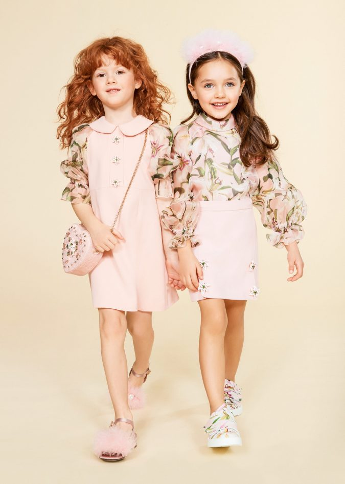 fall-winter-fashion-2020-kids-collection-floral-shirt-mini-skirt-dress-dolce-and-gabbana-675x945 15 Cutest Kids Fashion Trends for Winter 2020