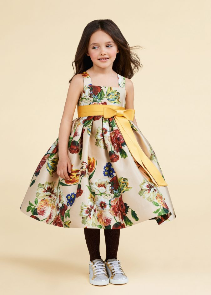 fall-winter-fashion-2020-kids-floral-dress-dolce-and-gabbana-675x945 15 Cutest Kids Fashion Trends for Winter 2020