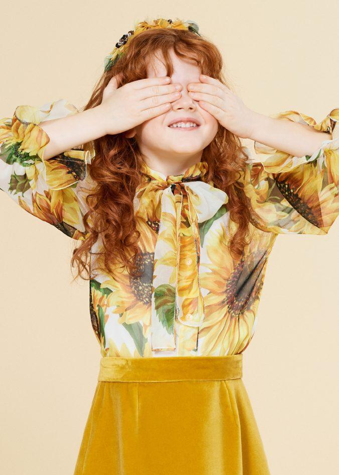 fall-winter-fashion-2020-kids-floral-shirt-velvet-skirt-dolce-and-gabbana-675x945 15 Cutest Kids Fashion Trends for Winter 2020
