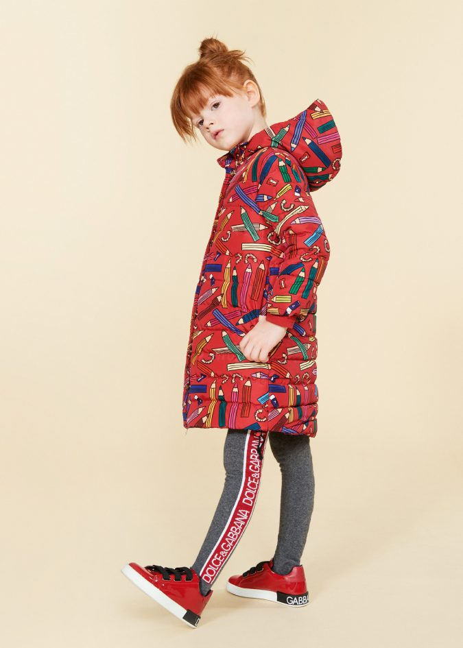 fall-winter-fashion-2020-kids-puffer-jacket-dolce-and-gabbana-675x945 15 Cutest Kids Fashion Trends for Winter 2020