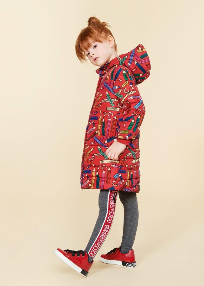 fall-winter-fashion-2020-kids-puffer-jacket-dolce-and-gabbana-675x945 15 Cutest Kids Fashion Trends for Winter 2020