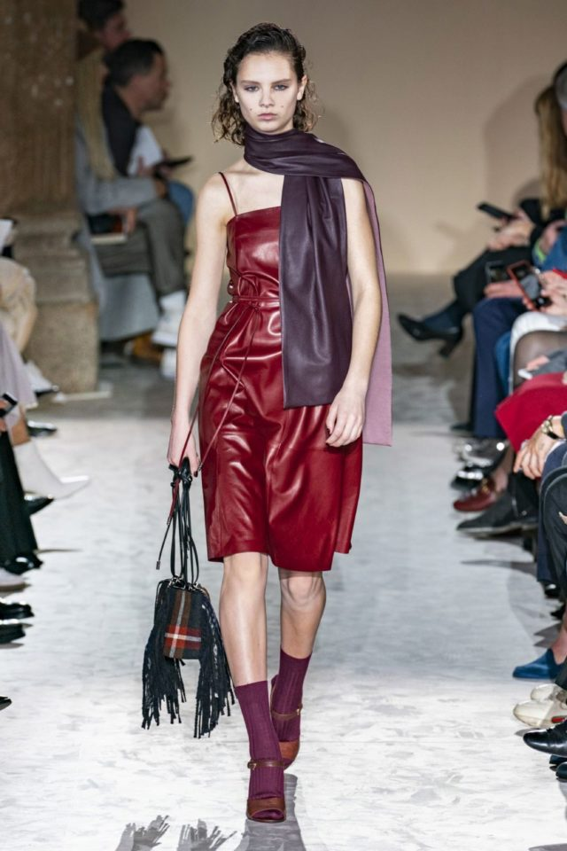 fall-winter-fashion-2020-leather-dress-scarf-salvatore-ferragamo 45+ Elegant Work Outfit Ideas for Fall and Winter 2020