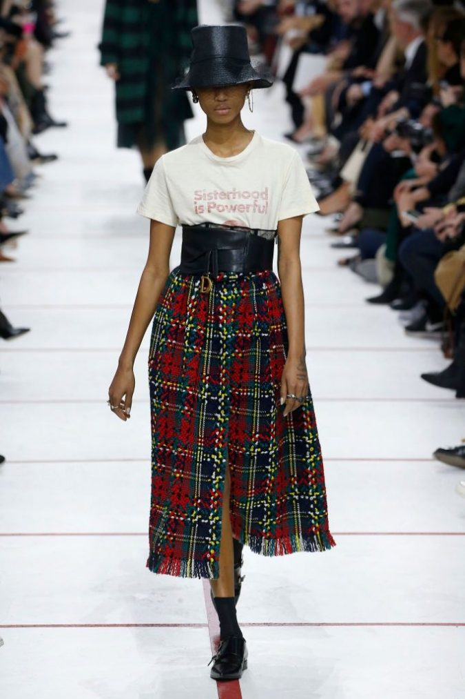 fall-winter-fashion-2020-plaid-skirt-t-shirt-Dior-675x1013 Top 10 Fashionable Winter Fashion Outfit Ideas for Teens in 2020