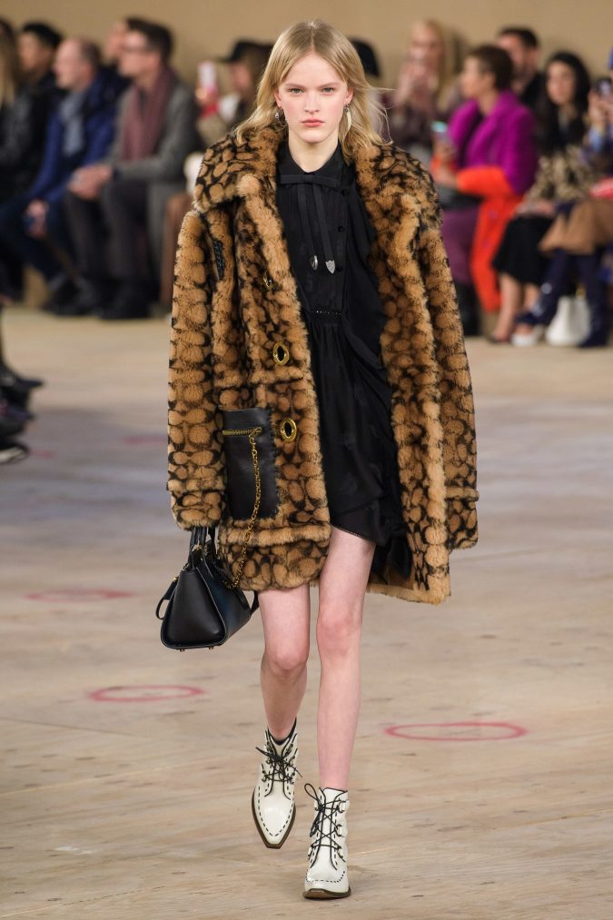 fall-winter-fashion-2020-ruffled-dress-faux-fur-coat-Coach-675x1013 45+ Elegant Work Outfit Ideas for Fall and Winter 2020