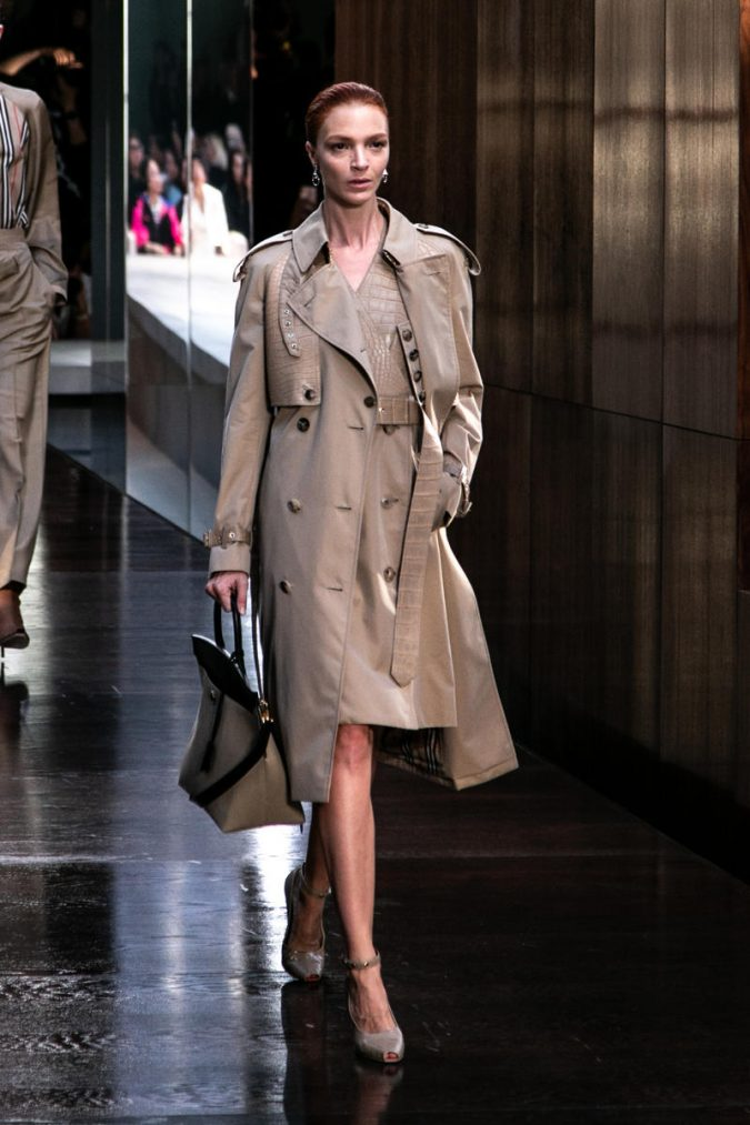 fall-winter-fashion-2020-trench-coat-Burberry-675x1013 45+ Elegant Work Outfit Ideas for Fall and Winter 2020