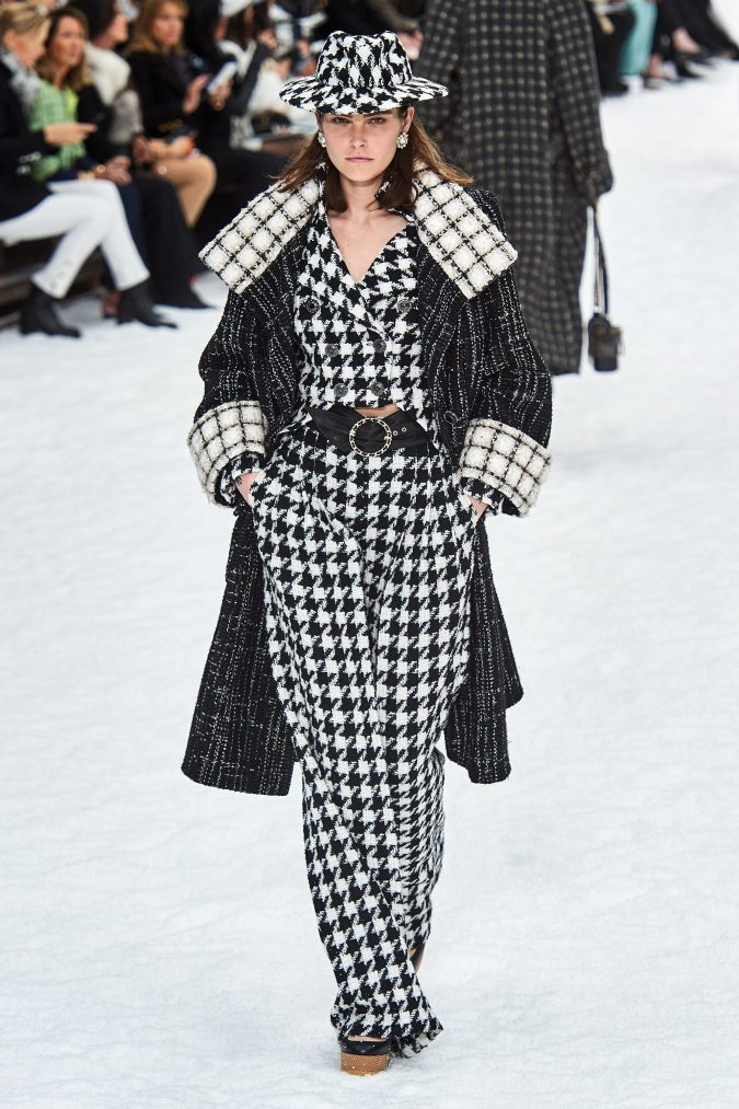 fall-winter-fashion-2020-tweed-coat-Chanel-675x1013 45+ Elegant Work Outfit Ideas for Fall and Winter 2020