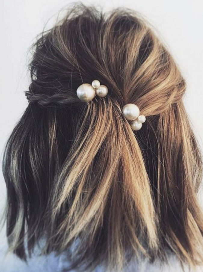 hairstyle-2020-pearly-hair-clips-675x904 20 Mind-blowing Fall / Winter Hairstyles for Women in 2020
