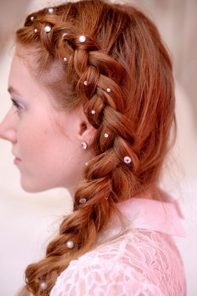 hairstyles-winter-2020-pearly-braid-red-hair-675x1014 20 Mind-blowing Fall / Winter Hairstyles for Women in 2021