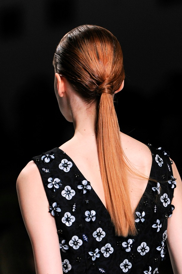 low-ponytail-hairstyle 20 Mind-blowing Fall / Winter Hairstyles for Women in 2021