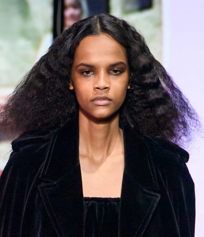 middle-part-two-textures-hairstyle-fall-2020-Miu-Miu-675x782 20 Mind-blowing Fall / Winter Hairstyles for Women in 2020