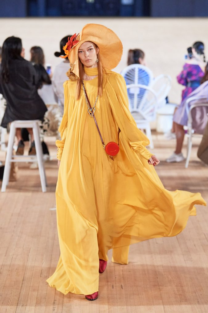 spring-summer-fashion-2020-caftan-floral-hat-Marc-Jacobs-675x1013 120+ Lovely Floral Outfit Ideas and Trends for All Seasons 2020