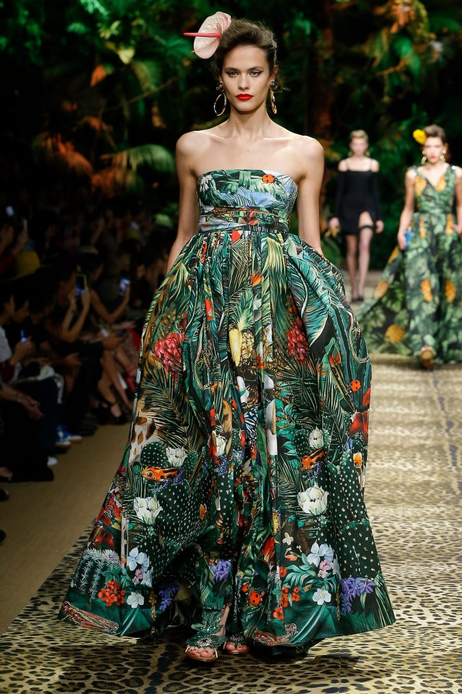 spring-summer-fashion-2020-floral-dress-dolce-and-gabbana-675x1013 120+ Lovely Floral Outfit Ideas and Trends for All Seasons 2020