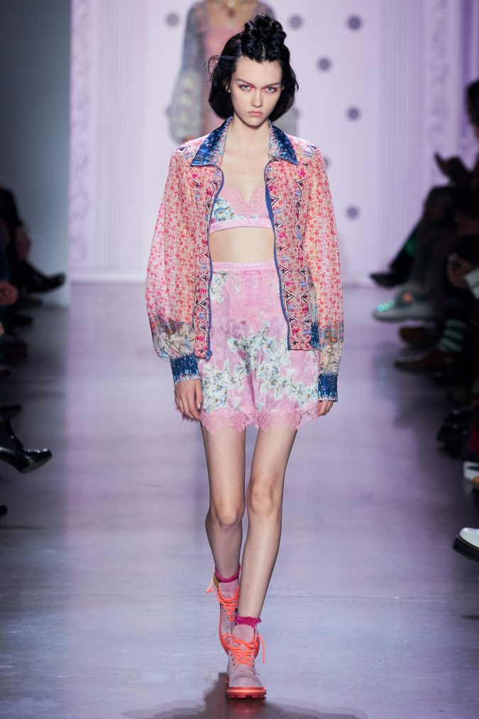 spring-summer-fashion-2020-floral-jacket-outfit-Anna-Sui-675x1013 120+ Lovely Floral Outfit Ideas and Trends for All Seasons 2020