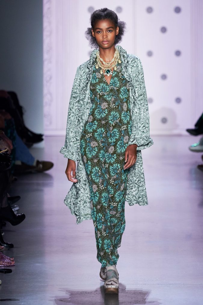 spring-summer-fashion-2020-floral-jumpsuit-cardigan-Anna-Sui-675x1013 120+ Lovely Floral Outfit Ideas and Trends for All Seasons 2020