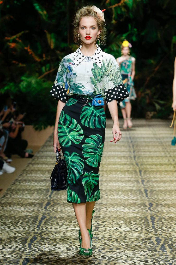 spring-summer-fashion-2020-floral-top-and-skirt-dolce-and-gabbana-675x1013 120+ Lovely Floral Outfit Ideas and Trends for All Seasons 2020