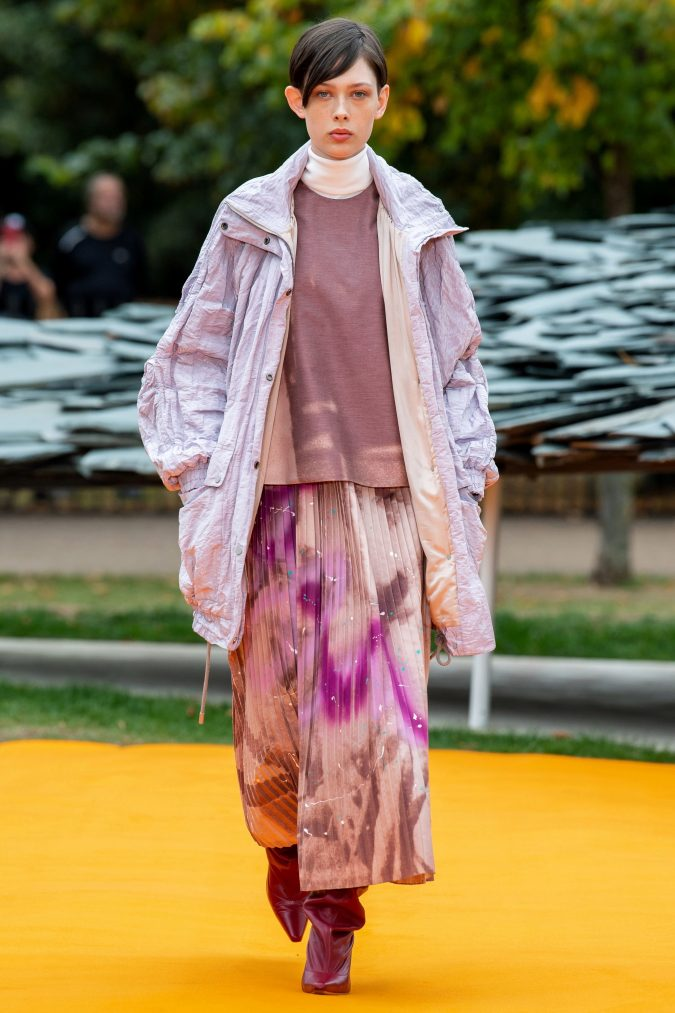 spring-summer-fashion-2020-pleated-skirt-roksanda-675x1013 120+ Lovely Floral Outfit Ideas and Trends for All Seasons 2020