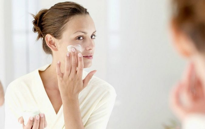 woman-apply-cream-675x426 Top 10 World's Most Luxurious Beauty Products