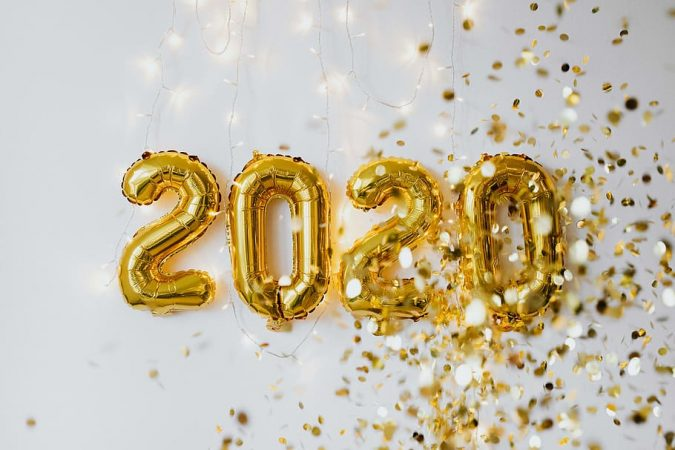 2020-new-years-eve-party-baloons-confetti-675x450 10 Breathtaking New Year's Eve Party Decoration Trends 2020