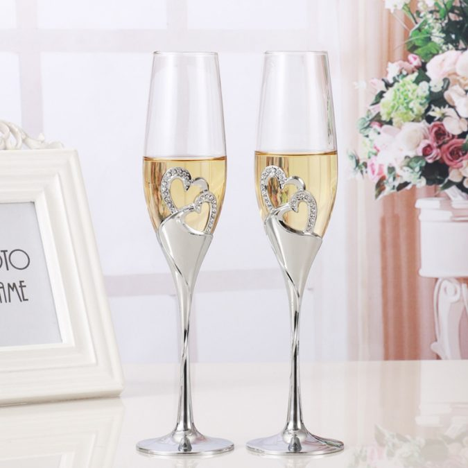 Champagne-glasses-675x675 Top 10 Most Luxurious Wedding Gift Ideas for Wealthy Couple