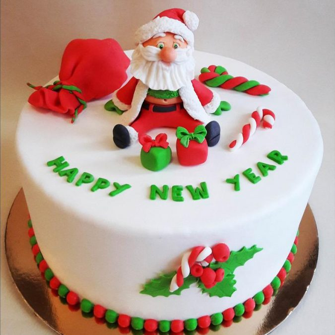 Christmas-cake-Santa-e1577292601265-675x675 16 Mouthwatering Christmas Cake Decoration Ideas 2020