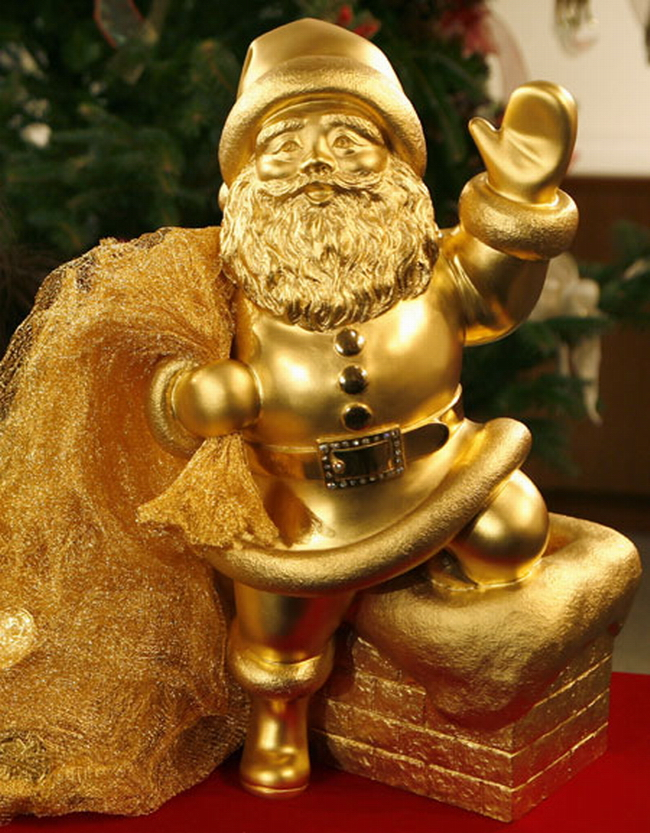 "Christmas-decoration-Ginza-Tanaka-18""-gold-Santa Top 15 Most Expensive Christmas Decorations"