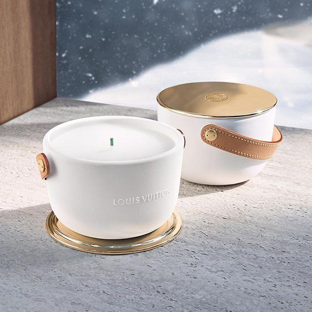 Christmas-decoration-Louis-Vuitton-Dehors-Il-Neige-Perfumed-Candle Top 15 Most Expensive Christmas Decorations