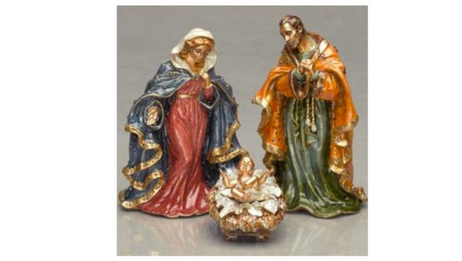 Christmas-decoration-Nativity-Set-Swarovski-1-675x381 Top 15 Most Expensive Christmas Decorations