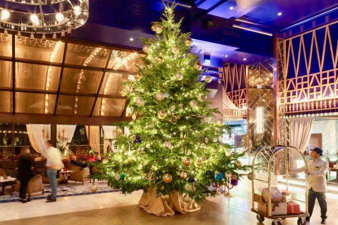 Kempinski-Hotel-Bahia-Christmas-tree-675x450 Top 15 Most Expensive Christmas Decorations
