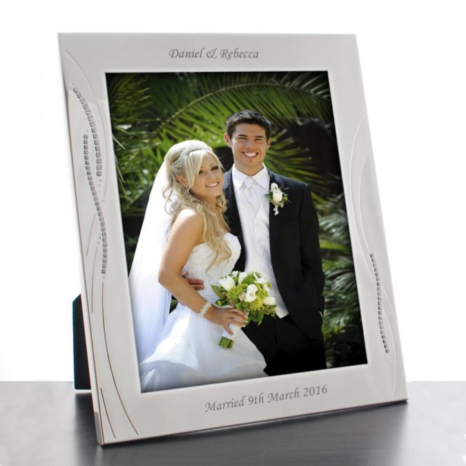 Photo-frame-675x675 Top 10 Most Luxurious Wedding Gift Ideas for Wealthy Couple