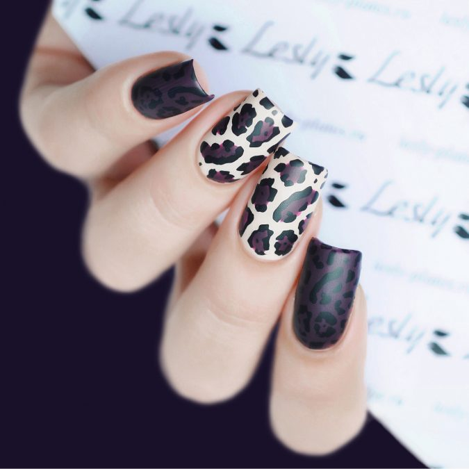 animal-prints-nail-art-2-675x675 Top 10 Most Luxurious Nail Designs for 2020