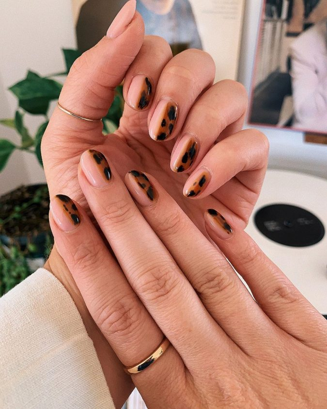 barely-there-animal-prints-nail-art-675x843 Top 10 Most Luxurious Nail Designs for 2021