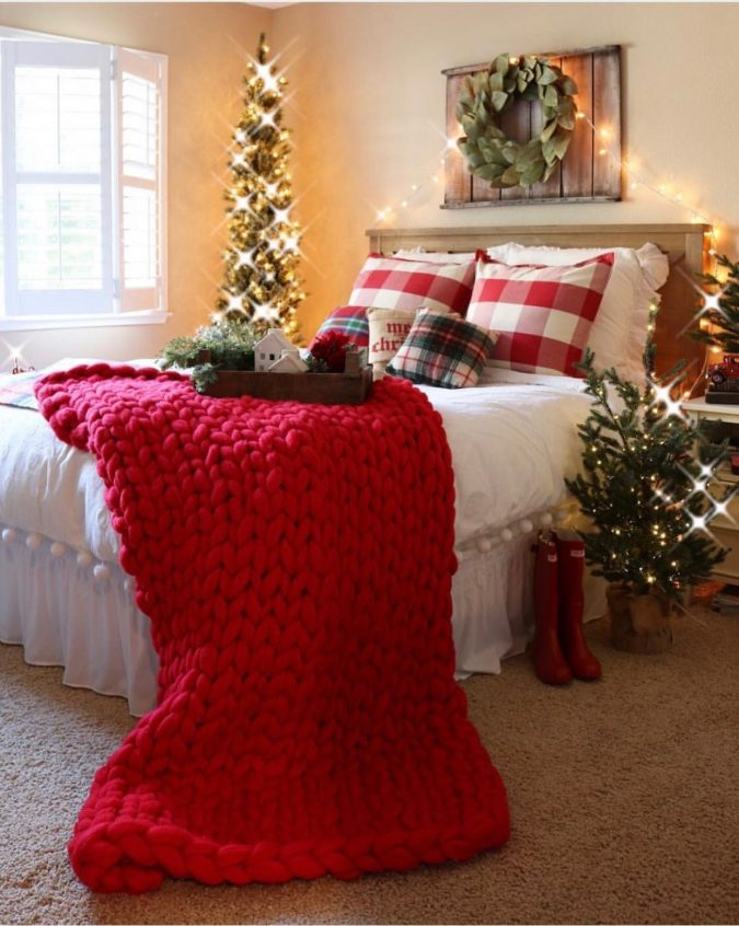 bedroom-christmas-decoration-3-675x846 50+ Hottest Christmas Decoration Ideas for 2020