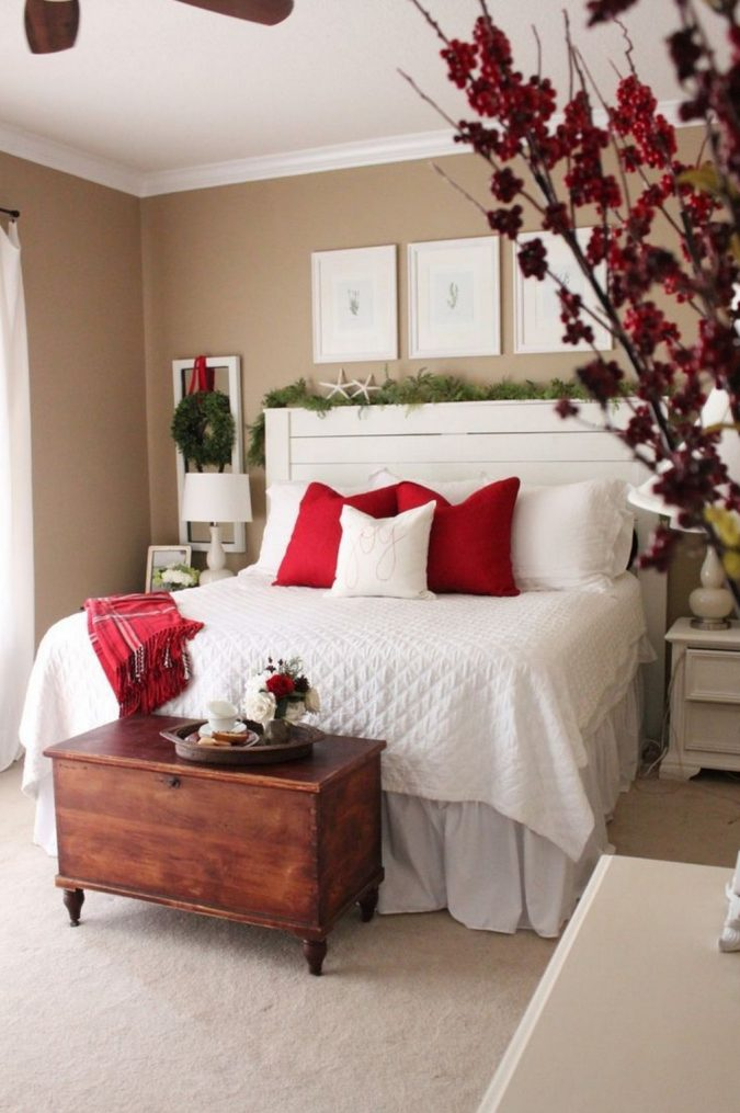 bedroom-christmas-decoration-e1576943124365-675x1015 50+ Hottest Christmas Decoration Ideas for 2020