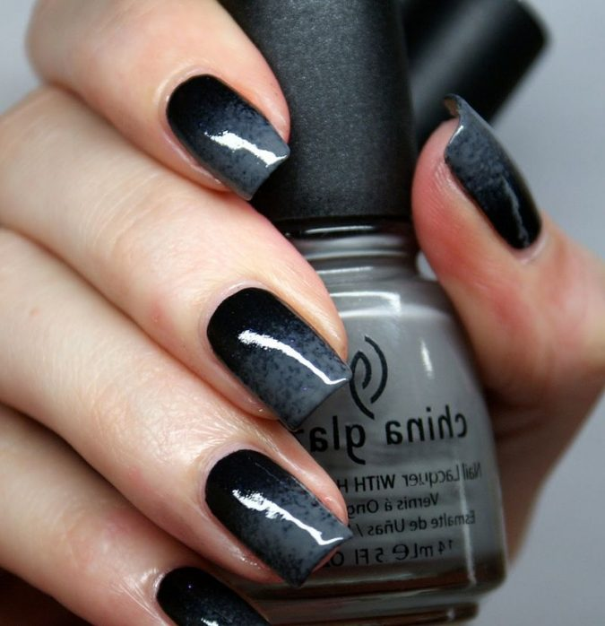 black-and-dark-grey-nail-art-675x698 Top 10 Most Luxurious Nail Designs for 2021