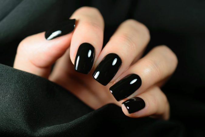 black-nails-675x450 10 Lovely Nail Polish Trends for Fall & Winter 2020